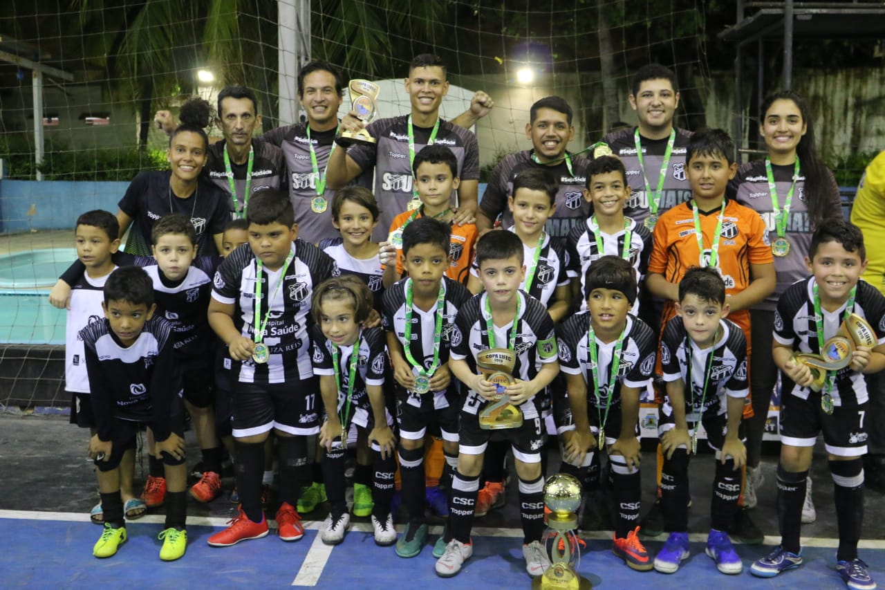 Base do futsal: sub-9 é campeão invicto da Copa LIFEC